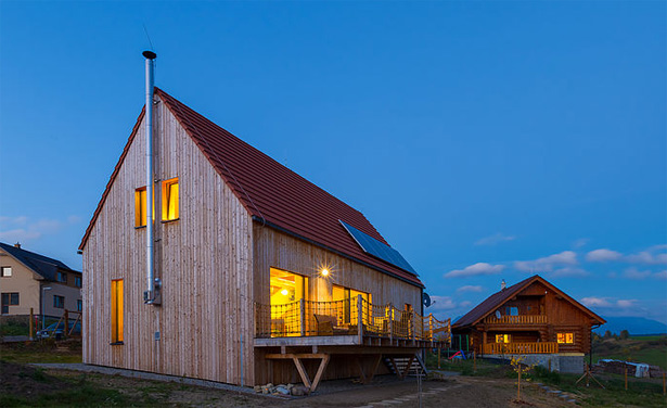 straw panel house in Lithuania
